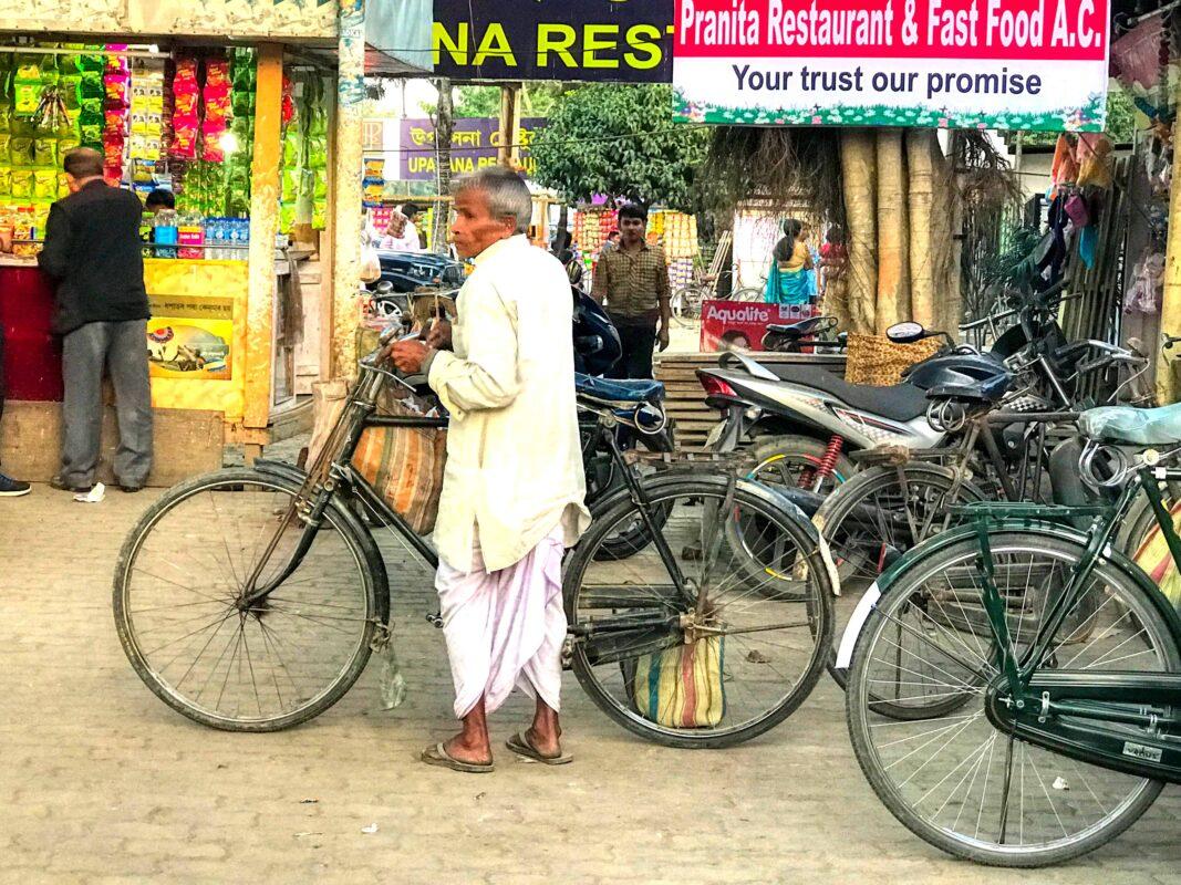 India Street Photography FAMOUS street photographer Dr Zenaidy Castro 12 1
