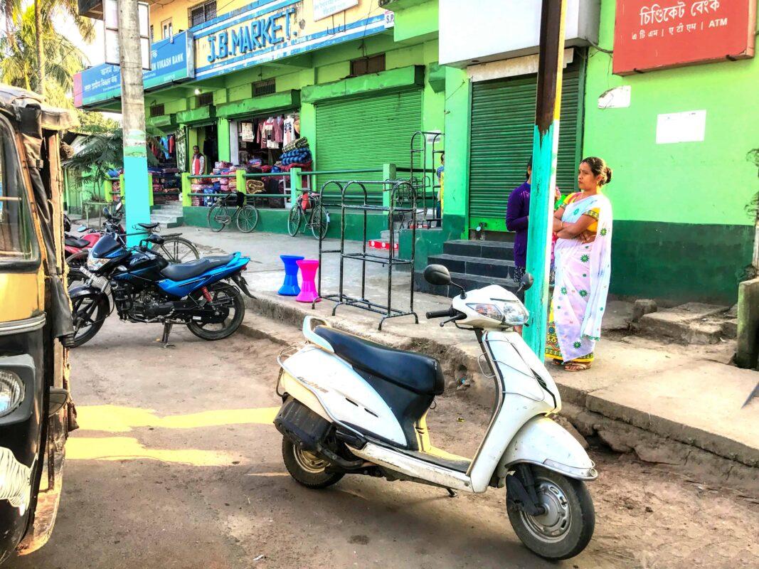 India Street Photography FAMOUS street photographer Dr Zenaidy Castro 29 1